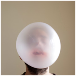 Yavuz Erkan, Bubble Gum 2011, archival pigment print. Courtesy of the artist.