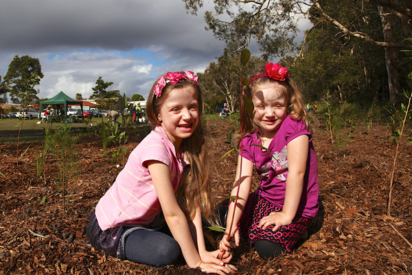 Lauder, 6, and Andrea, 3, at this year's National Tree Day event in the Redlands.