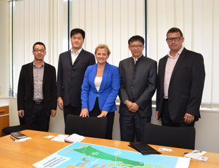 L to R: From left to right: Vice general Manager Sales & Marketing Jinxiang Lin, Secretary of the Chairman Wensheng Lin, Mayor Karen Williams, General Manager Yuan Hu, PDA Project Director, Peter Kelley.