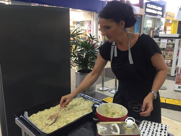 Celebrity chef, Dominique Rizzo, cooking up a storm at Stockland Cleveland Shopping Centre.
